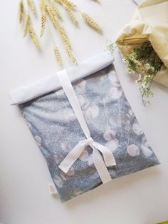 Frissentartó zsák/sötét növény Gift Wrapping, Gifts, Gift Wrapping Paper, Favors, Gift Packaging, Presents, Gift, Wrapping Gifts, Wrapping