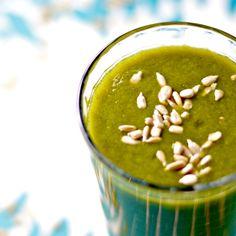 Immunity Green Smoothie | WIN-WIN FOOD (banana, pear, ginger and greens)