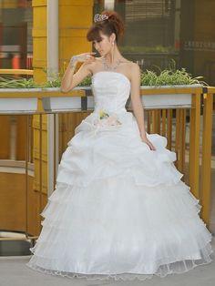 ウェディングドレス ボールガウン ベアトップ フロアー丈 ノースリーブ フラワー ピックアップスカート オーガンザ アイボリー 結婚式 二次会 ドレス ウェディングドレス Hlbw0044