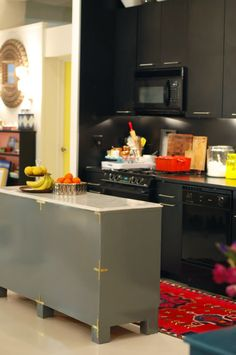 Little Green Notebook: DIY Campaign Style Kitchen Island
