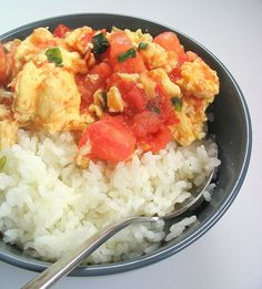 Fan Qie Chao Dan (Tomatoes and Egg Stir Fry)- One of my favorite authentic Chinese dishes.