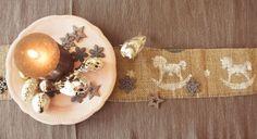 Geschenkband und Tischläufer aus Jute - purplebunny.at Jute, Napkin Rings, Napkins, Home Decor, Gifts, Homemade Home Decor, Towels, Napkin, Decoration Home