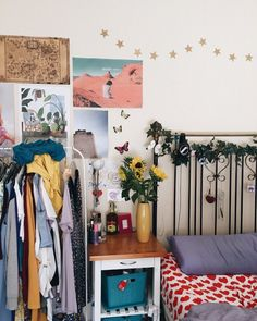 vine on bed frame, eclectic, sunflowers, small