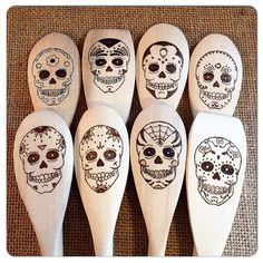 Custom Wood Burned Sugar Skull Spoons, Dia de los Muertos, Day of the Dead, new apartment or housewarming gift idea, set of 4 Wood Burn Designs, Wood Carving Designs, Wood Carving Patterns, Wood Patterns, Wood Burning Crafts, Wood Burning Art, Wood Crafts, Black Wood Stain, Got Wood