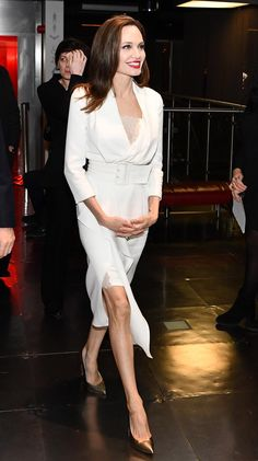 """hollywood-fashion: """"Angelina Jolie in Ralph & Russo at the Fighting Stigma Through Film Festival in London on November """" Fashion Looks, Beauty And Fashion, White Fashion, Hollywood Fashion, Hollywood Celebrities, Hollywood Actresses, Angelina Jolie Dress, Angelina Jolie Pictures, Elegant Dresses For Women"""