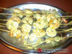 Γαρίδες σουβλάκια ψητές στα κάρβουνα #sintagespareas Potato Salad, Cauliflower, Shrimp, Menu, Potatoes, Vegetables, Ethnic Recipes, Food, Menu Board Design