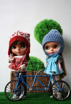 Blythe Dolls with a tandem by Erregiro    #doll #blythe #bike