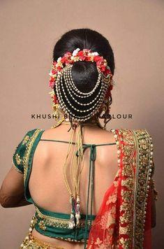10 Creative Ways to Accessorize Your Hair-buns With Jewellery! Indian Bun Hairstyles, South Indian Bride Hairstyle, Bride Hairstyles, Homecoming Hairstyles, Retro Hairstyles, Party Hairstyles, Indian Wedding Makeup, Indian Makeup, Bridal Hair Buns