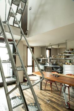 Find out how this experiment unfolded when it comes to small living within the city. San Francisco Architecture, Garden Site, Garden Design, House Design, San Francisco Chronicle, Small Living, Stairs, Home And Garden, Live