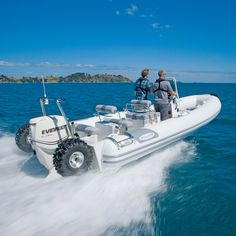 Sealegs amphibious craft: the best of both worlds - A high-speed amphibious RIB is expanding its military remit with a new ultra-convenient civilian bo - Speed Boats, Power Boats, Camper Boat, Water Rescue, Whitewater Kayaking, Canoeing, Cruise Boat, Cool Boats, Boat Stuff