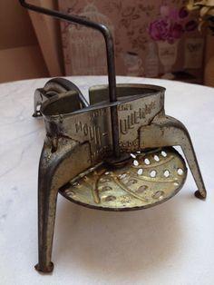 seau ancien a charbon ou a granu s antiquit s brocante et objets divers pinterest seaux. Black Bedroom Furniture Sets. Home Design Ideas