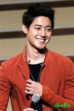 See that smile... how can I not love him.. KHJ!!!!
