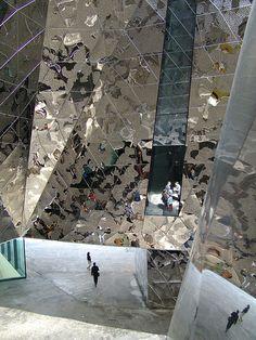 Barcelona, Edificio Forum, Patio.