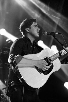 Marcus Mumford... He makes me swoon!
