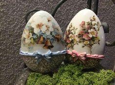 Egg Crafts, Easter Crafts, Diy And Crafts, Christmas Crafts, Egg Shell Art, Faberge Eggs, Egg Art, Easter Holidays, Egg Decorating