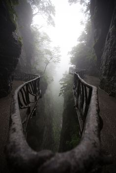 Zhangjiajie National Forest Park - Tianmenshan, Hunan, China  // Photography by Jens Schott Knudsen