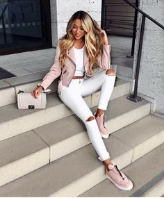 Cute Casual Back to School Outfit Ideas for 2018 - Ropa - . - - Cute Casual Back to School Outfit Ideas for 2018 – Ropa – Source by outfitbes Look Fashion, Autumn Fashion, Fashion Outfits, Womens Fashion, Fashion Trends, Fashion Clothes, Sneakers Fashion, Pink Sneakers, Denim Fashion