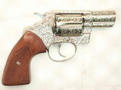 Engraved Colt Detective Special - Beretta m35 Custom wood Grips http://www.lrgrips.com/en/beretta-1934-1935-grips/23-beretta-19341935-grips.html