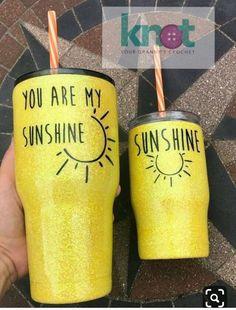 I need these for me and my baby. Diy Tumblers, Custom Tumblers, Glitter Tumblers, Personalized Tumblers, Cute Gifts, Diy Gifts, Tumblr Cup, Glitter Cups, Glitter Eye