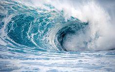 Images of Australia: Turbulent wave, Cape to Cape track, Western Australia