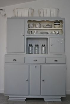 love to take an entertainment center and make it into a little play kitchen for Naomi! Art Deco Furniture, Furniture Making, Vintage Furniture, Cool Furniture, Painted Furniture, Old Kitchen, Home Decor Kitchen, Kitchen Cabinets And Cupboards, Deco Retro