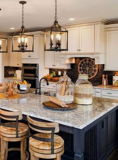 Small Kitchen Makeover More ideas: DIY Rustic Kitchen Decor Accessories Marble Kitchen Accessories Ideas Farmhouse Kitchen Storage Accessories Modern Kitchen Photography Accessories Cute Copper Kitchen Gadgets Accessories Farmhouse Kitchen Island, Modern Farmhouse Kitchens, Country Kitchen, Diy Kitchen, Rustic Farmhouse, Kitchen Backsplash, Kitchen Countertops, Backsplash Design, Fresh Farmhouse