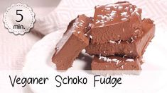 Veganer Schoko Fudge Brownie - Rezept von 5 Minute Recipes Fudge Brownies, Keto Fudge, Vegan Low Fat, Toffee, Check Up, Coconut Rice, Mango Salsa, Lime, Sugar