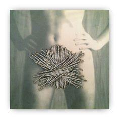 GIUSI LOISI artwork www.giusiloisi.it -  ANNODANZE: corda cucita su tela con fotografia. art: rope sewn on canvas with picture. corde cousue sur toile avec pothos. www.giusiloisi.it