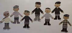 Teimme viime viikolla ensimmäisen luokan kanssa ryhmätyönä Seitsemän veljestä -paperinuket. Nuket on tehty pahvista ja ne ovat noin A3-k...