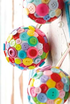 Baubles with buttons diy by Ideas Magazine