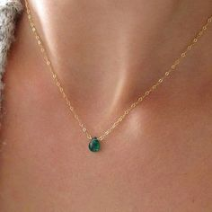 Green Onyx Necklace / Green Onyx Choker Pendant / Emerald Green Onyx / Gold Filled Chain or Sterling Silver Short Pendant / Choker – Dainty Jewelry Dainty Jewelry, Cute Jewelry, Jewelry Accessories, Jewelry Design, Jewlery, Dainty Necklace Silver, Jewelry Logo, Jewelry Trends, Onyx Necklace