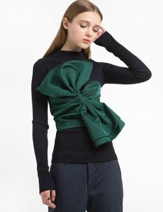 Green Bow Crop Top                                                                                                                                                                                 Más
