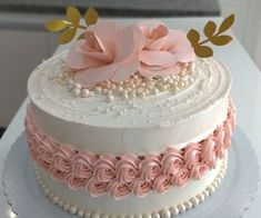 Cake Decorating Frosting, Creative Cake Decorating, Cake Decorating Designs, Cake Decorating Videos, Birthday Cake Decorating, Cake Decorating Techniques, Creative Cakes, Cake Designs, Elegant Birthday Cakes