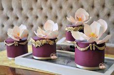 Mini Wedding Cakes by Sumaiya Omar - The Cake Duchess  - http://cakesdecor.com/cakes/296407-mini-wedding-cakes