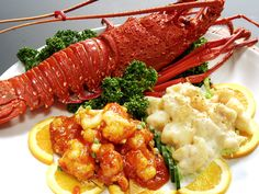 Japanese spiny lobster dish, gorgeous and tasty!! Lobster Dishes, Tandoori Chicken, Chicken Wings, Paradise, Tasty, Japanese, Foods, Meat, Creative