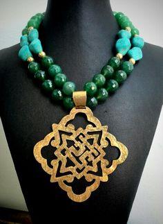 Hermoso #collar #necklace elaborado en #agatas y #turquesas #herrajetrival