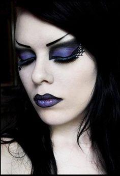 maquillage gothique yeux marrons