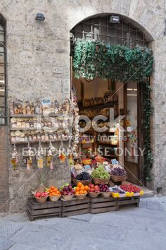 Grocery Shop In Siena Royalty Free Stock Photo