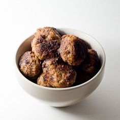 A delicious Swedish meatballs wine pairing will involve a spicy, flavorful wine. Match food with wine using PlusWine's simple, elegant interface. A Food, Good Food, Yummy Food, Delicious Recipes, Cooking Tips, Cooking Recipes, Swedish Meatball Recipes, Dinner Recipes, Appetizers