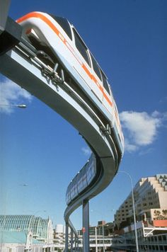 The Seattle monorail zips passengers between downtown Seattle and Seattle centre in less than two minute Downtown Seattle, Nashville, Seattle Washington, Washington State, San Diego, San Francisco, Nova Orleans, Seattle Photography, U Bahn