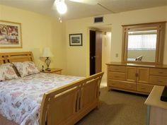 Stuart Condo for Sale  Stuart -    55+ kingswood, 2/2 grnd flr corner unit, updated kitchen, ss appls, granite countertops, tile/carpet bdrms, fully furn, $99,900; 305-323-4137 o