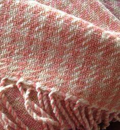 "Throw ""Milky way"" - Terra Mama Fringes, Milky Way, Hand Weaving, Wool, Hand Knitting, Fringe Coats, Weaving"