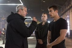 "New Set Photos From ""Divergent"" Reveal Tris' Dauntless Tattoos And More"