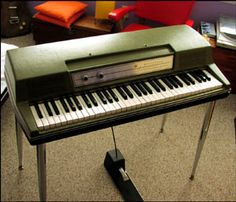 Wurlitzer Electric Piano.