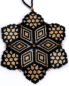 Perles Miyuki, Tissage Miyuki This mandala is not available, just sharing my work. Visit my Etsy Shop to see what I have available Bead Crochet Patterns, Beading Patterns Free, Bead Crochet Rope, Bead Embroidery Jewelry, Beaded Embroidery, Beaded Jewelry, Beaded Bracelets, Brick Stitch Earrings, Beaded Christmas Ornaments