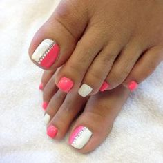 Toe nail art design idea for summer. so cute!