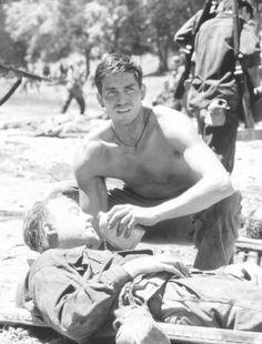 Jim Caviezel in La delgada línea roja (1998)