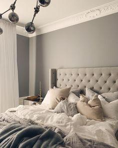 """Kenza Zouiten Subosic on Instagram: """"Good morning 💭"""" Trendy Bedroom, Cozy Bedroom, Bedroom Apartment, Dream Bedroom, Master Bedroom, Bedroom Decor, Yellow Gray Bedroom, Bedroom Organization Diy, Interior Decorating"""