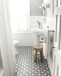 Amazing Master Bathroom Decor Ideas And Remodel bathroomdecor bathroomdecorideas remodel Bathroom Tile Designs, Bathroom Floor Tiles, Bathroom Interior Design, Bathroom Ideas, Bathroom Cabinets, Bathroom Organization, Wainscoting Bathroom, Gray Cabinets, Wainscoting Ideas