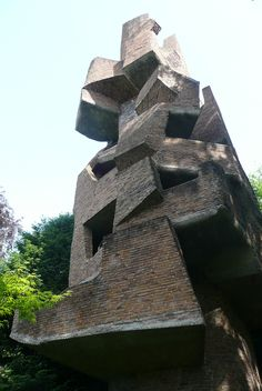 "André Bloc - sculpture-habitacle ""La Tour"", 1966 - Meudon - France 